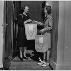 """Girl Scout Delivers  a """"Victory Bag"""""""