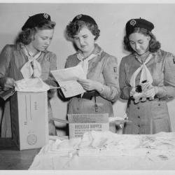 "Girl Scout Intermediates Prepare ""Friendship Bags"""