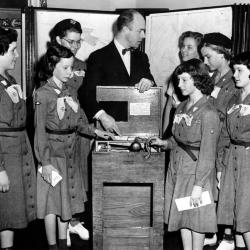 Girl Scout Intermediates Learn to Vote